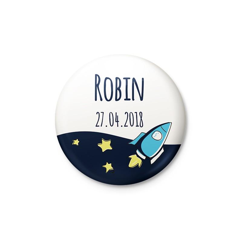 Badge magnet faire part naissance étoiles et fusée bleu